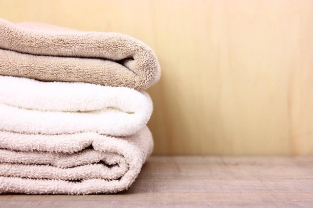 積み重なったタオル