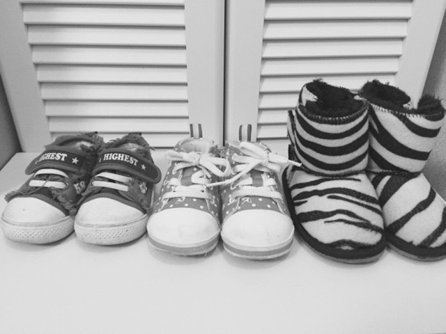 いくつも並んだ靴